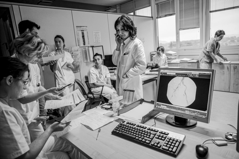 Reportage fotografico ambiente medico infermieri sala