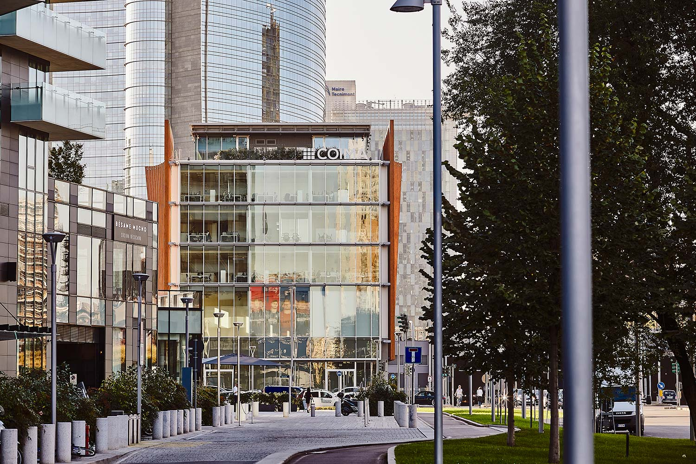 Fotografo architettura commerciale ed interni aziendali Milano