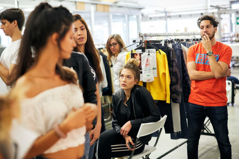 fotografo di reportage backstage moda sfilate look book indossato