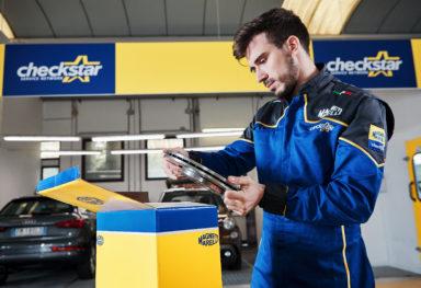 Reportage fotografico officine meccaniche settore auto | Magneti Marelli